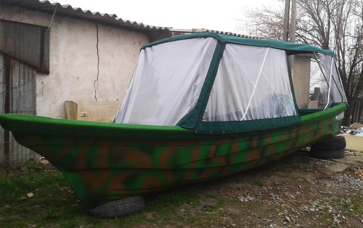 Barca din fibra de sticla pentru pescuit si agrement
