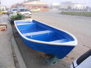 Barca de agrement si pescuit din fibra de sticla
