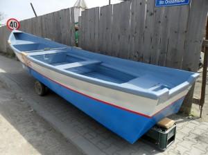 lotca-din-fibra-pentru-pescuit001