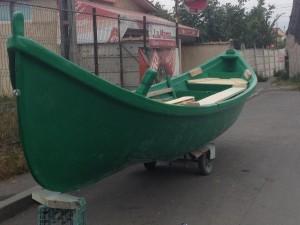 Barci de pescuit pe mare la navod MAHONA